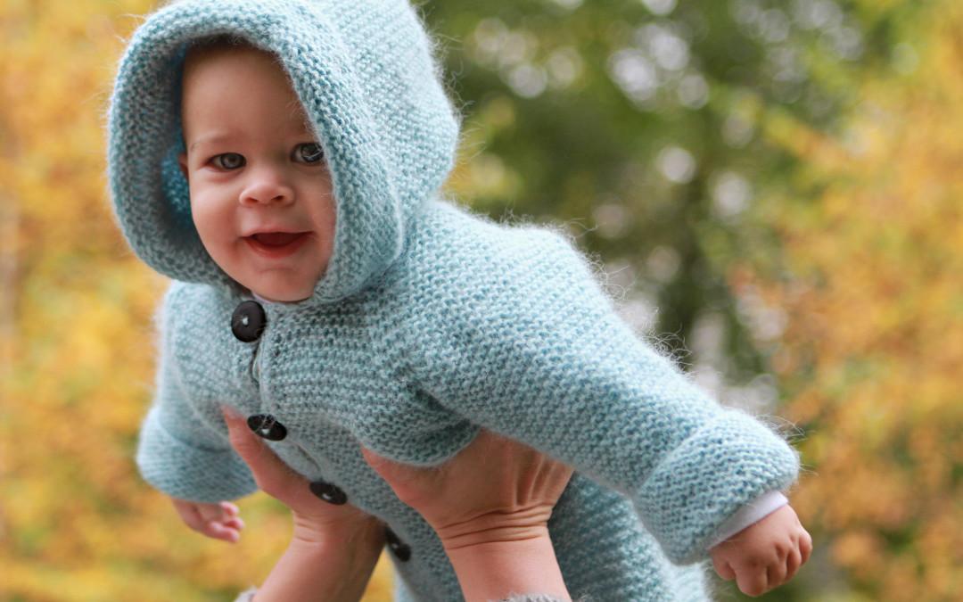 Babydress i rillestrikk